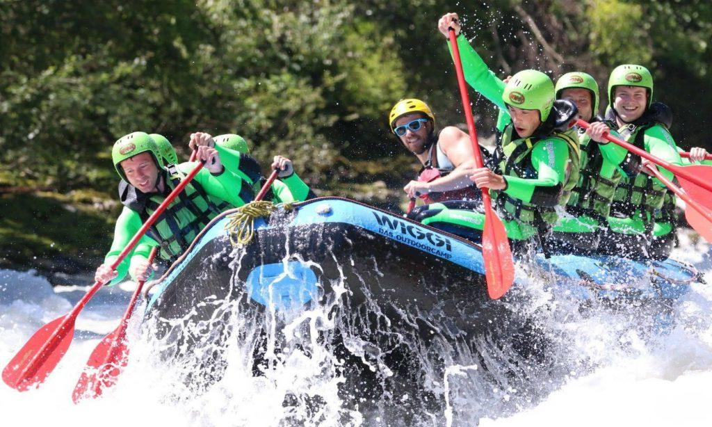 Actionreiche Rafting Tour auf der Ötztaler Ache in Tirol.