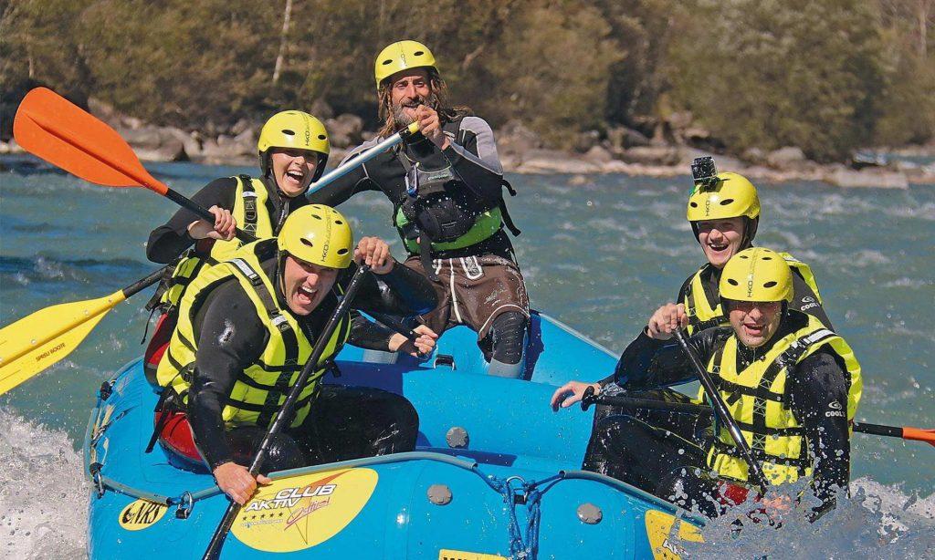 Aufregende Rafting Tour auf der Isel nahe Lienz in Osttirol.